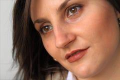 De mooie close-up van het vrouwengezicht. Stock Foto's