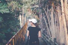De mooie de vrouwenreiziger van Azië, reist concept-uitstekende toon Stock Foto's