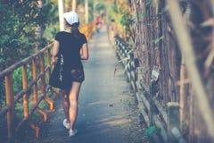 De mooie de vrouwenreiziger van Azië, reist concept-uitstekende toon Stock Afbeelding