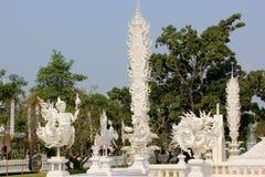 De mooie Decoratie binnen Wat Rong Khun of Witte Tempel, bedriegt Stock Afbeeldingen