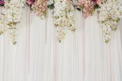 De mooie decoratie van het bloemhuwelijk stock afbeeldingen