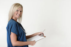 De mooie grafiek van de verpleegstersholding over wit Royalty-vrije Stock Afbeelding