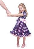 De mooie hand van de meisjeholding van haar geïsoleerde vader Stock Foto