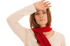 De mooie jonge donkerbruine vrouw houdt haar hoofd aangezien zij hoofdpijn - ziekte heeft stock foto's