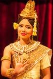 De mooie Khmer dans die van Apsara het Ramayana-heldendicht afschilderen royalty-vrije stock foto