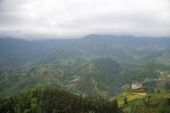 De mooie Mening van bergen bevat terrasvormige gebieden Royalty-vrije Stock Fotografie