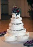 De mooie multi-Tiered Cake van het Huwelijk Stock Foto's