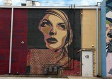 De mooie muurschildering van de vrouwenmuur, Drievuldigheidsbosjes, Dallas, Texas Stock Foto