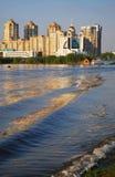 De mooie oude stad van Kiev - de hoofdstad die van de Oekraïne, Kiev in de lente, de mooie stad van Kiev, Kiev, de Oekraïne, Dnie Stock Foto's