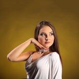 De mooie professionele danser voert latino dans uit Hartstocht en uitdrukking Stock Fotografie