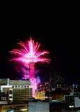 De mooie Ring van de Bijeenkomsttoren met vuurwerk Stock Afbeeldingen