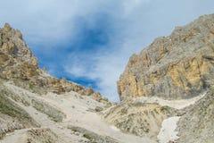 De mooie rotsachtige bergen van Dolomietalpen Stock Afbeeldingen