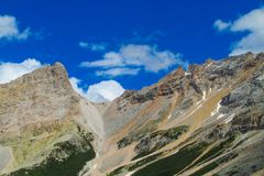 De mooie rotsachtige bergen van Dolomietalpen Royalty-vrije Stock Afbeeldingen