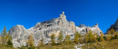 De mooie rotsachtige bergen van Dolomietalpen Dolomiti Di Brenta Royalty-vrije Stock Foto