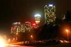 De mooie stadshorizon van Niagara Falls, Ontario bij nacht. Royalty-vrije Stock Foto's