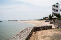 """De mooie stranden in Hua †""""Hin, de belangrijkste aantrekkelijkheden voor toerist in Prachuap Khiri Khan stock foto"""