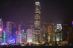 De mooie super brede luchtmening van de hoekzomer van Hong Kong-eilandhorizon, Victoria Bay-haven, met wolkenkrabbers, blauwe hem stock afbeeldingen
