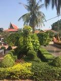 De mooie tuin bij de Wat Preah Prom Rath-tempel in Siem oogst, Kambodja royalty-vrije stock foto