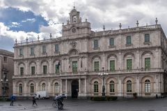 De mooie universitaire campusbouw in het historische centrum van Catanië, Sicilië, Italië stock fotografie