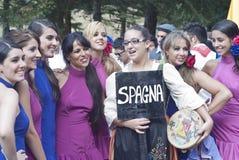 De mooie vrouwen van de mensen van Spanje groeperen zich. dansers Royalty-vrije Stock Foto's