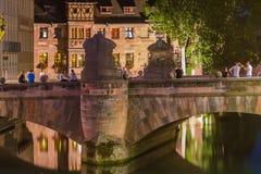 De mooie zomer avond-oud brug-Nuremberg, Duitsland royalty-vrije stock afbeelding