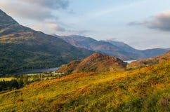 De mooie zonsondergang bij Loch leven in Schotland, Grote Brittain Royalty-vrije Stock Foto's