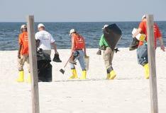 De morserijarbeiders van de olie bij kust royalty-vrije stock fotografie