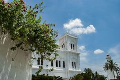 De moskee en de vuurtoren van Meeranjumma in fort Galle in Sri Lanka stock foto's