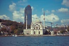 De Moskee van Dolmabahce in Istanboel Royalty-vrije Stock Foto's