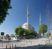 De moskee van Dolmabahce in Istanboel, Turkije Royalty-vrije Stock Foto's
