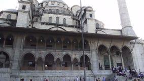 De Moskee van Eminonu in Istanboel stock videobeelden