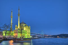De Moskee van Ortakoy in Istanboel Stock Afbeelding