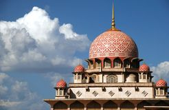 De moskee van Putrajaya royalty-vrije stock foto's