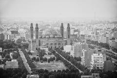 De Moskeemening van de Bahriastad van de toren van Eiffel lahore stock foto's