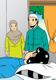 De moslimfamilie bezoekt de zieke verwant Royalty-vrije Stock Foto's