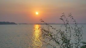 De motie van meer bij zonsopgang stock video