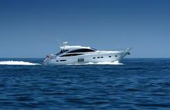 De motorboot/het jacht van de luxe Stock Afbeelding