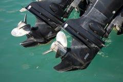 De motoren van de motorboot bij repause Stock Foto's