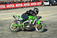 De motorfiets Expo, stuntman toont royalty-vrije stock fotografie