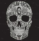 De motorfiets geïnspireerde vectorillustratie van de typografieschedel Stock Foto's
