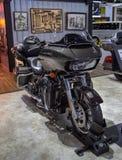 De motorfiets van Harley Davidson Road Glide Ultra FLTRU royalty-vrije stock afbeeldingen
