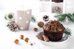 De muffin en de cacao van de Kerstmischocolade Stock Foto