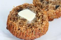 De muffin van zemelen met boter Royalty-vrije Stock Afbeelding