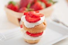 De Muffins van aardbeishortcake Royalty-vrije Stock Afbeelding