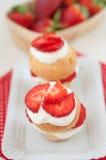 De Muffins van aardbeishortcake Royalty-vrije Stock Foto