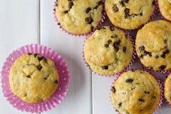 De Muffins van de banaanchocolade van hierboven Stock Foto