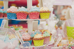 De muffins van de partijlijst cupcakes royalty-vrije stock fotografie