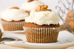 De Muffins van okkernoten Stock Foto