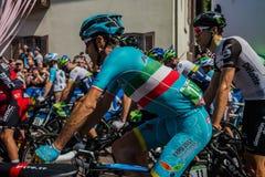 ² de MuggiÃ, Italie le 26 mai 2016 ; Vincenzo Nibali de l'intérieur du groupe avant le début de l'étape Images stock