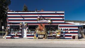 Is de Mugwumps Antieke opslag in Broedsel Utah verfraaid in Rode Witte a Stock Fotografie
